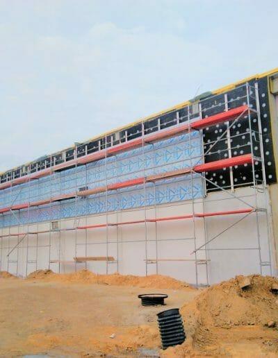Dostawa i montaż rusztowań na budowie LiDL-a w Siedlcach