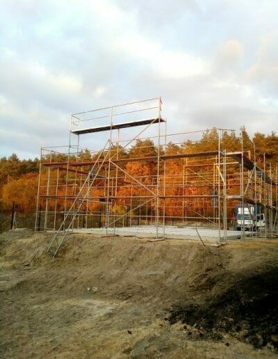 Montaż rusztowań dla budynków montowanych z elementów prefabrykowanych